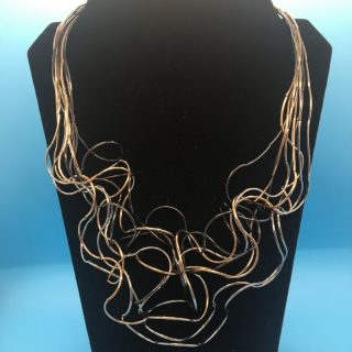 Tritone Curve Chain Necklace